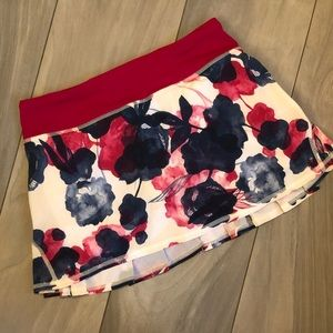 Lululemon Pace Setter Skirt Sz 4 Inky Floral Ghost